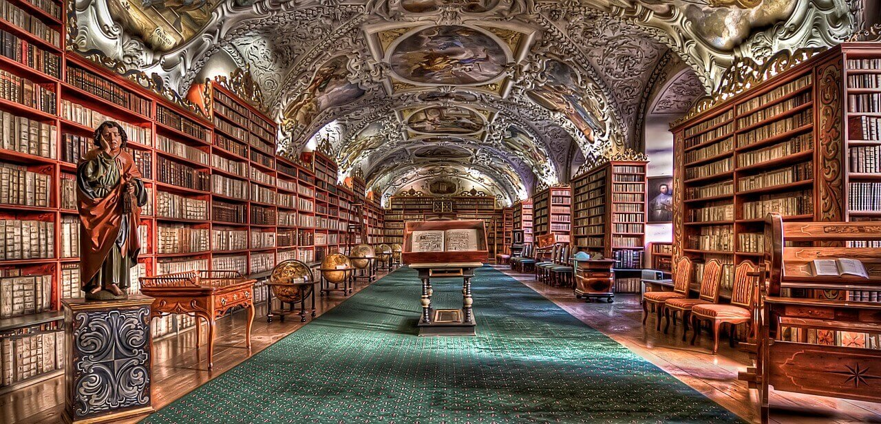 7 Stunning and beautiful libraries | FlyCheapAlways